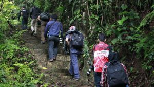 Suami Suka Hiking Tiap Mlnggu , Akhirnya Kant0l Pergi Mendaki Dngan Jandaa Smpai Chck-In